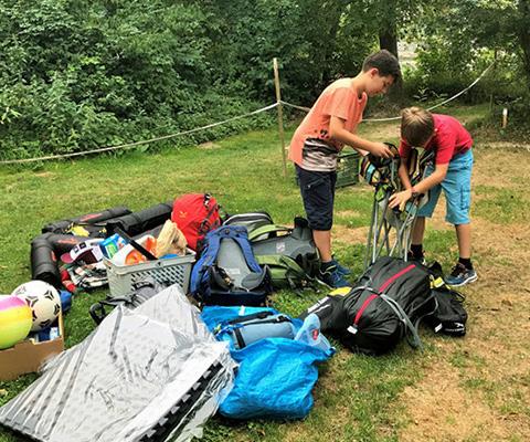 Avventure di campeggio e glamping della famiglia Angelone