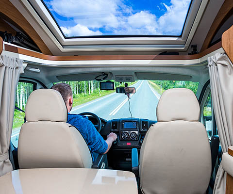 Verkehrsregeln und Gesetze für Camper